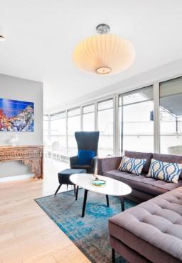 To zdjęcia będą pracować nad sprzedażą naszej nieruchomości i przyciągać nabywców cena powierzchnia mieszkania czy jego lokalizacja są bardzo ważnym elementem oferty jednak to zdjęcia wykreują w wyobraźni obraz wymarzonego domu czy mieszkania u jego przyszłych mieszkańców